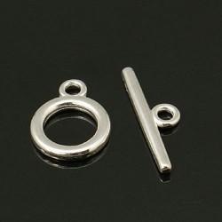 Fermoir rond en métal argenté clair