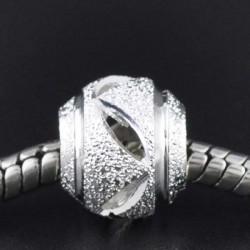 Métal perle Stardust traits obliques style Pandora - à l'unité