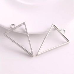 Pendentif contour Triangle 32 x 35 mm, argenté