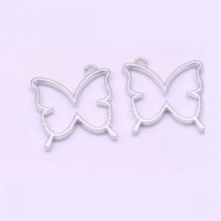 Pendentif contour Papillon 33 x 35 mm, argenté