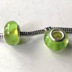 Perle de verre verte bandes jaunes style Pandora - à l'unité