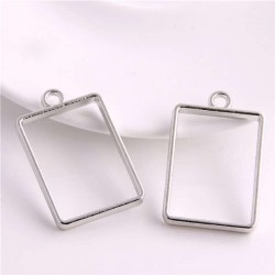 Pendentif contour Rectangle 21 x 34 mm, argenté