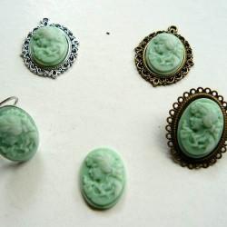 Cabochon ovale Camée 24 x 18 mm vert et blanc