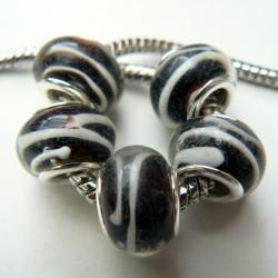 Perle de verre noire striée blanche style Pandora - à l'unité