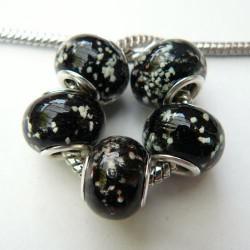 Perle de verre noire neigeuse style Pandora - à l'unité