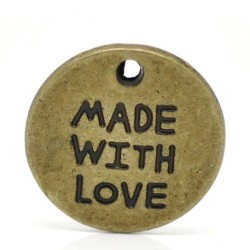 Breloque en métal Made with Love, bronze antique