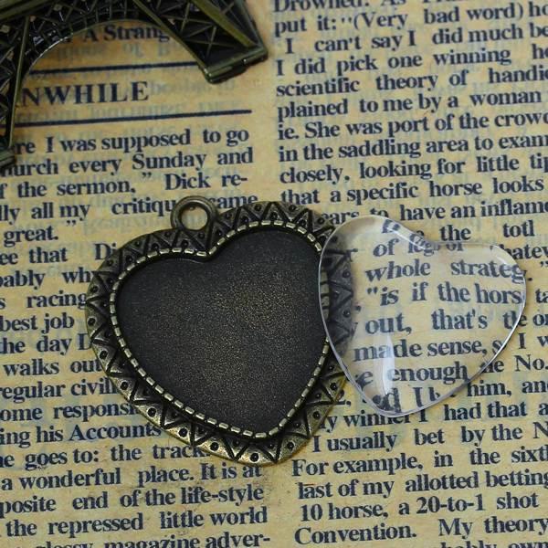 support pendentif forme de coeur couleur bronze antique avec cabochon en verr