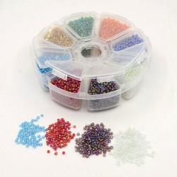 Boite 8 compartiments Perles de rocailles transparentes irisées - 2 mm