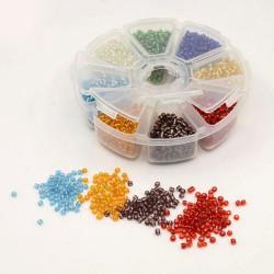 Boite 8 compartiments Perles de rocailles transparentes avec liseré - 2 mm